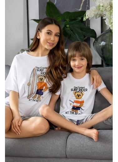 Katia & Bony Surf Yapan Ayı Basklı şortlu Kadın Pijama Takımı - Beyaz Beyaz
